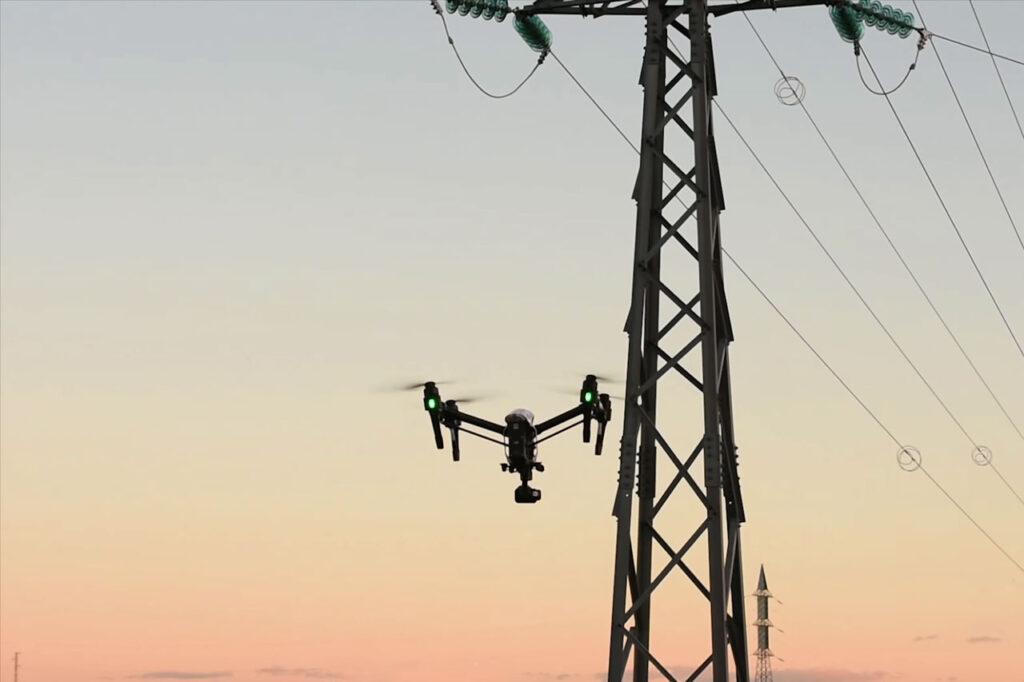 Inspecciones Técnicas con drones con Cámara Térmica en Líneas y Apoyos Eléctricos. Detección de fallas con puntos calientes