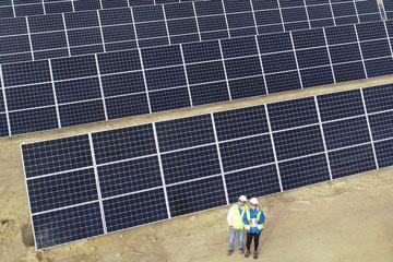 Inspección técnica con dron en planta fotovoltaica. Mantenimientos preventivos con drones en paneles solares