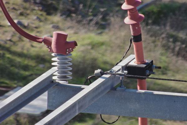 Detalle de la Inspección Técnica realizada sobre torres eléctricas de alta y media tensión con drones .
