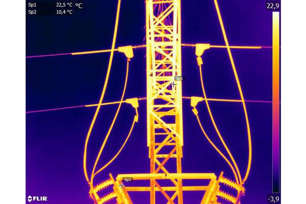 Inspección Técnica con cámara térmica sobre tendidos eléctricos de líneas de alta y media tensión.