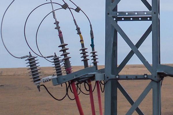 Detalle de inspección Técnica en líneas y apoyos de alta y media tensión.