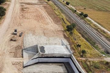 Evolución de obras con drones. Seguimiento de obras e infraestructura con un dron. Infraestructura ferroviaria del AVE